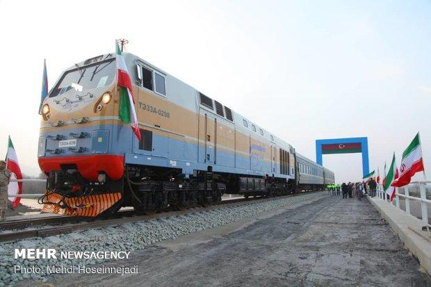 اقدامات اولیه برای اتصال خط ریلی آذربایجان به پارس آبادانجام یافت