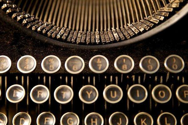 رمان نویس مشهور کانادایی درگذشت
