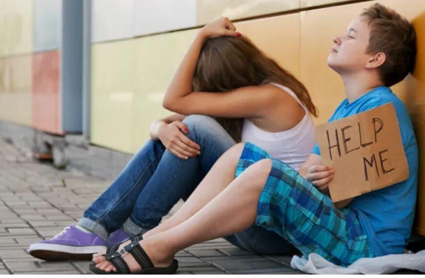 هر هشت دقیقه، یک کودک در بریتانیا بی خانمان می گردد