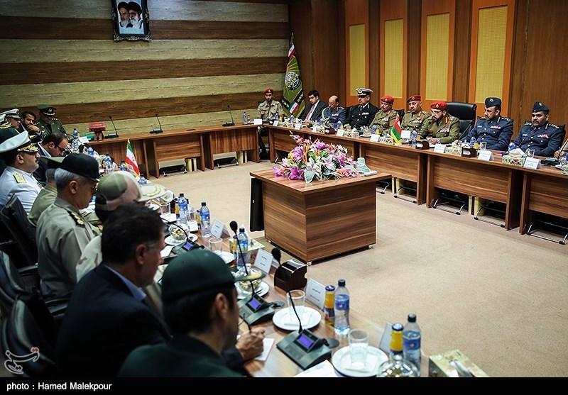 ملاقات هیئت نظامی ایران با رئیس مجلس عمان