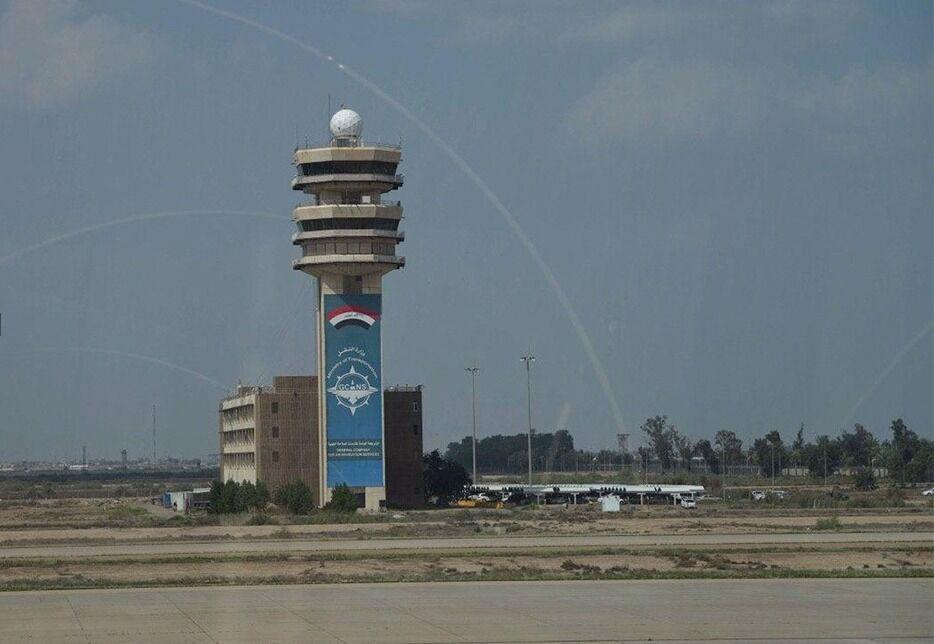 خبرنگاران اصابت راکت به اطراف فرودگاه بین المللی بغداد