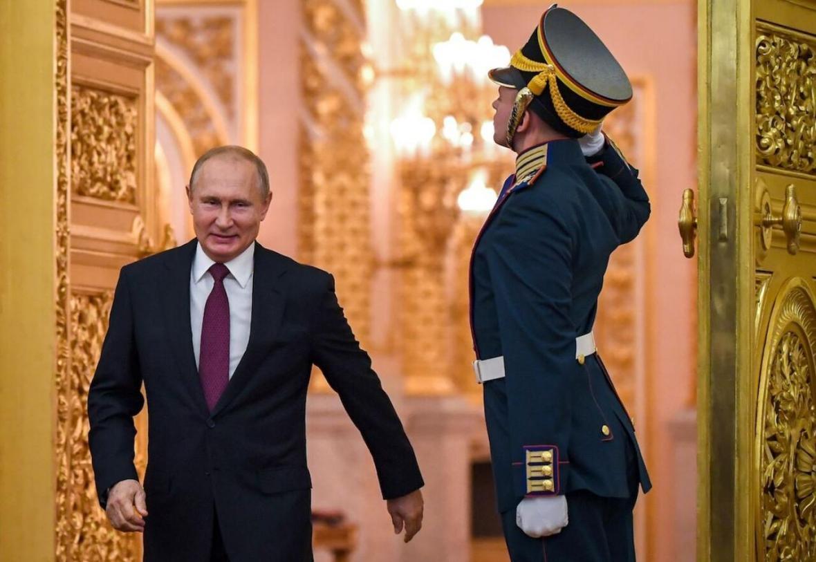 واکسن روسی کرونا ساخته شد، پوتین: دخترم هم واکسن زده است روسیه؛ نخستین کشور ثبت کننده واکسن کرونا ثبت واکسن روسی کرونا در آینده ای نزدیک موفقیت آزمایش انسانی واکسن روسی کرونا