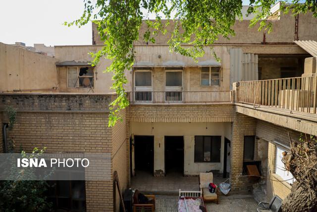 خانه پدری احمد محمود هنوز آرام است