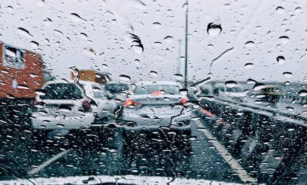 خبرنگاران باران جاده های خراسان شمالی را لغزنده کرد