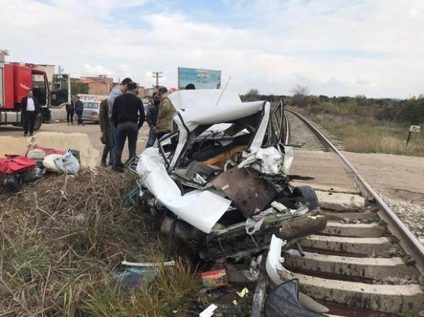 خبرنگاران برخورد پراید با قطار باری در هرسین حادثه آفرید