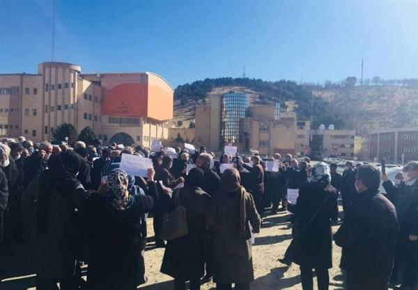 (تصاویر) اعتراض بازنشستگان تأمین اجتماعی به شرایط معیشتی