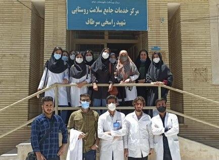 جهادگران دانشگاه علوم پزشکى ایلام به مردم روستاى سرطاف خدمت رسانى کردند